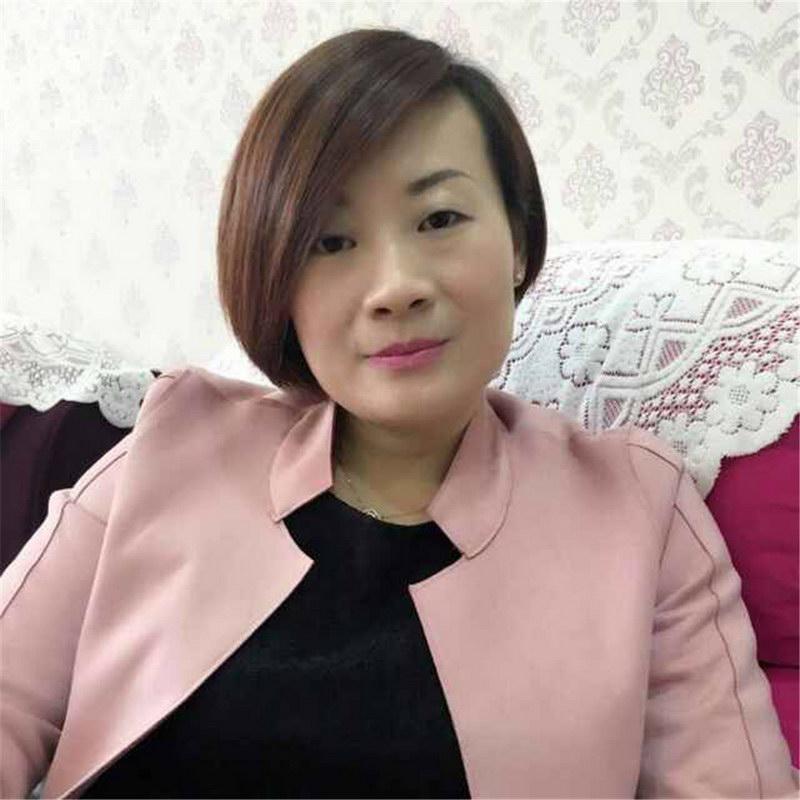 学员杨莉,报读了美甲课班课程创业成功