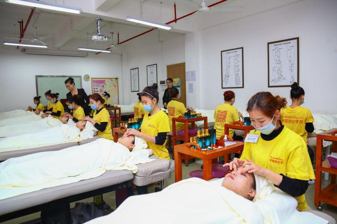 广州伊丽莎白美容培训课堂