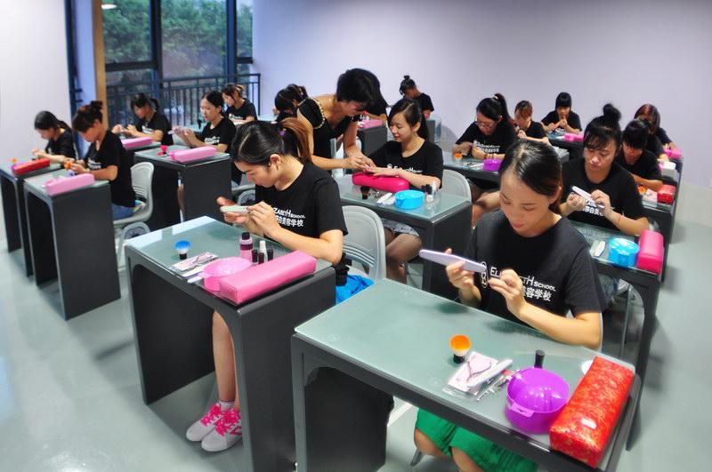 肇庆美甲培训哪家好,肇庆端州附近的美甲培训学校