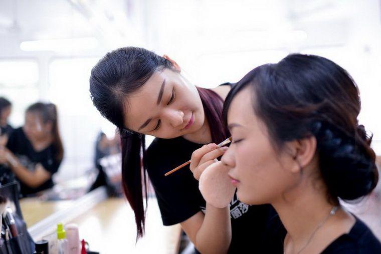 学习化妆技能之前要明确学习目的